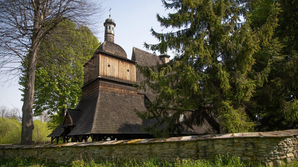 kosciol w sekowej - szlak architektury drewnianej